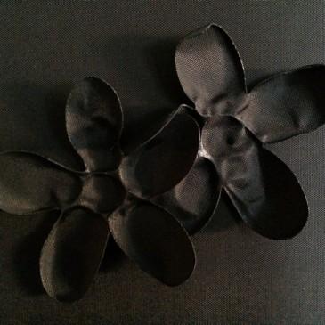 Art Blog – Black Flowers